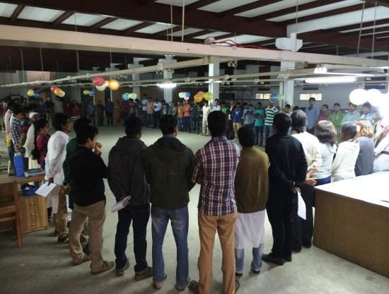 バングラデシュ工場の朝会