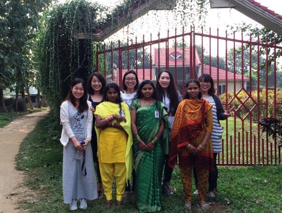 バングラデシュと日本の女性スタッフたち