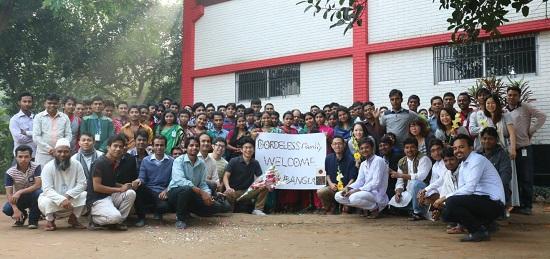 バングラデシュ工場で働く仲間たち