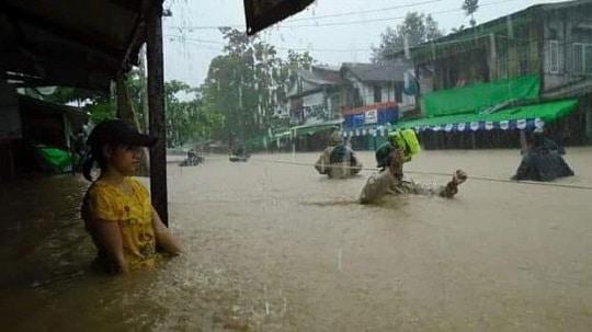 ミャンマー洪水 町の様子