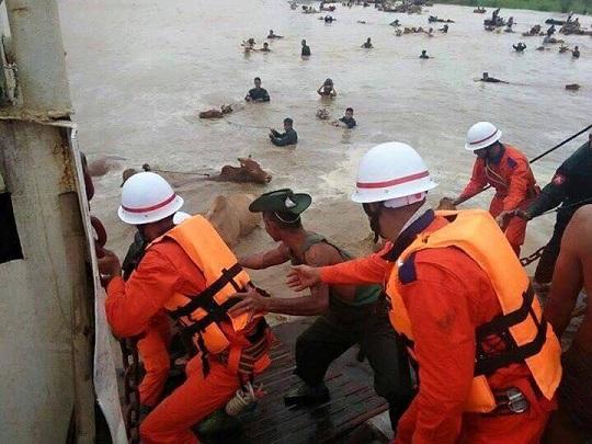 ミャンマー洪水 レスキュー隊