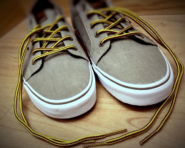 我々にとっては当たり前の「靴」です。