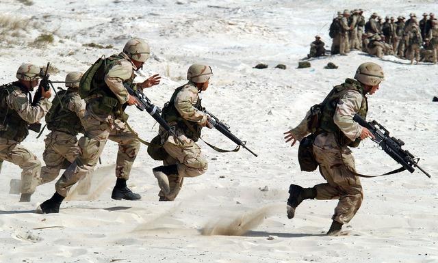 軍事技術は激しい戦闘などにも耐えうるものを作り出します。
