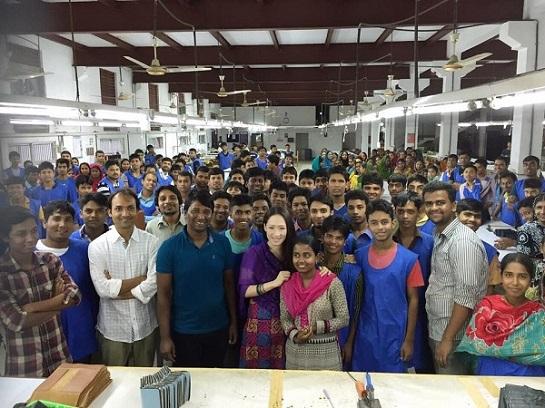 バングラデシュ工場のなかまたち