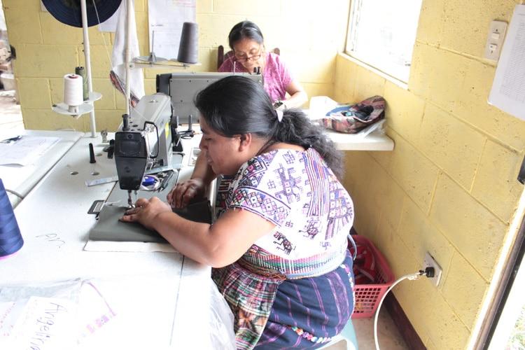 マヤ伝統工芸の付加価値を高めてブランディング