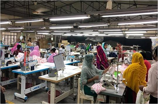 バングラデシュ工場の風景