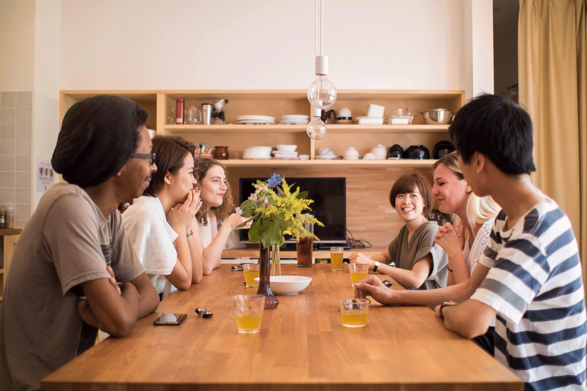 異文化との直接的な関わりを生む交流機会を提供